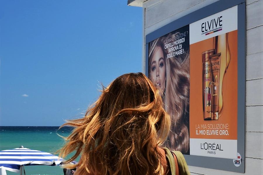 Affissione Elvive L'oreal Spiaggia