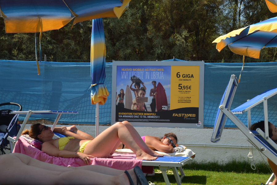 Affissione spiaggia Europe Fastweb