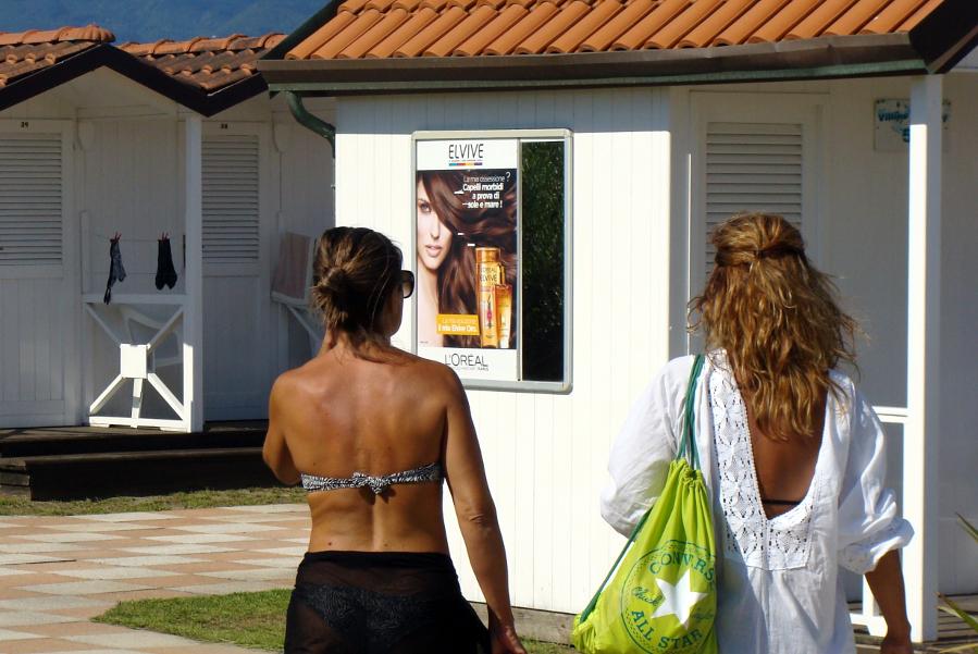 Affissione L'Oreal pubblicità mare