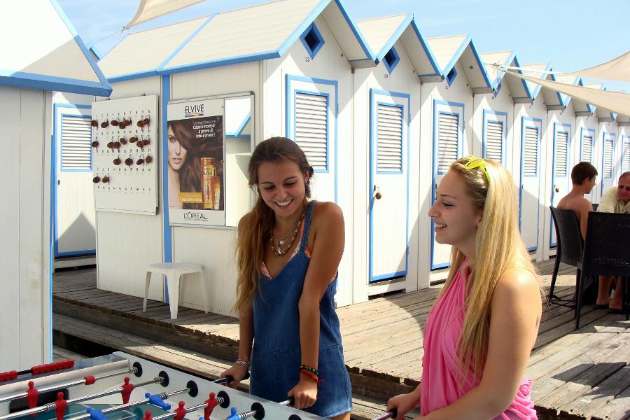 Affissione Elvive Pubblicità Spiaggia